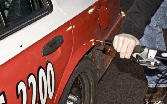 Как отомстить автовладельцу (3 фото)