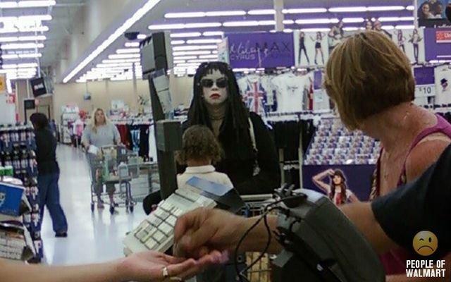 Покупатели в супермаркетах (70 фото)