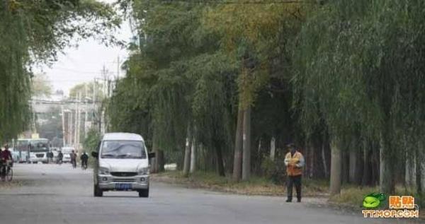 Рабочий день китайского дворника (10 фото)