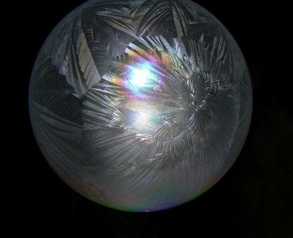 Ледяные мыльные пузыри (7 фото)
