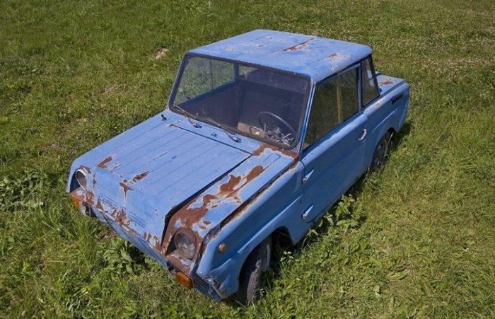 Кладбище советских автомобилей (15 фото)