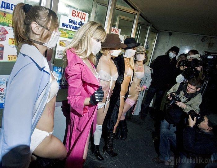 Девушки в марле (14 фото)