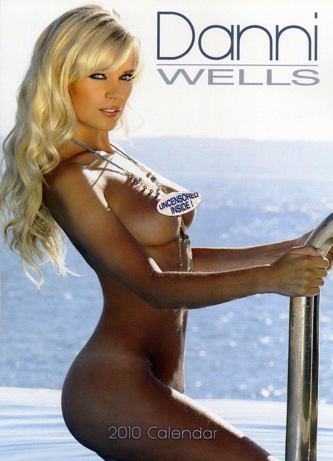 Danni Wells (20 фото)