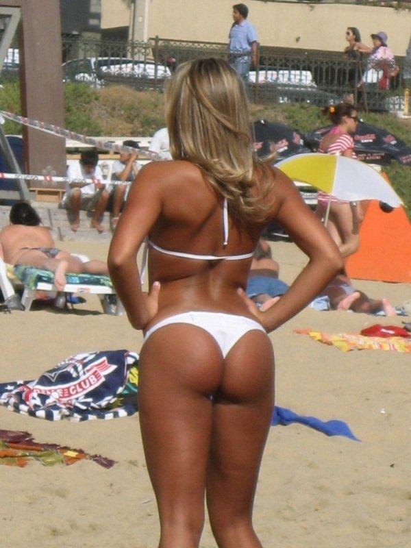 Девушки на пляже (38 фото)