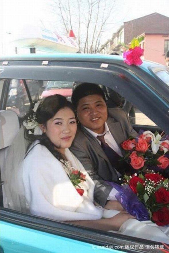Огромный свадебный кортеж (8 фото)