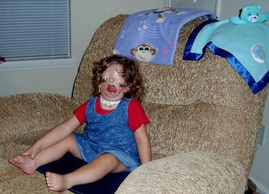 Девочка без лица (19 фото)