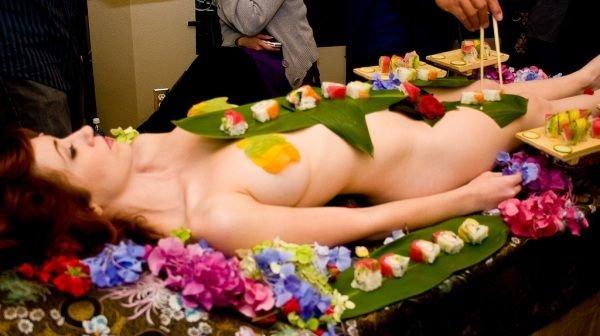 Ка правильно есть суши (41 фото)