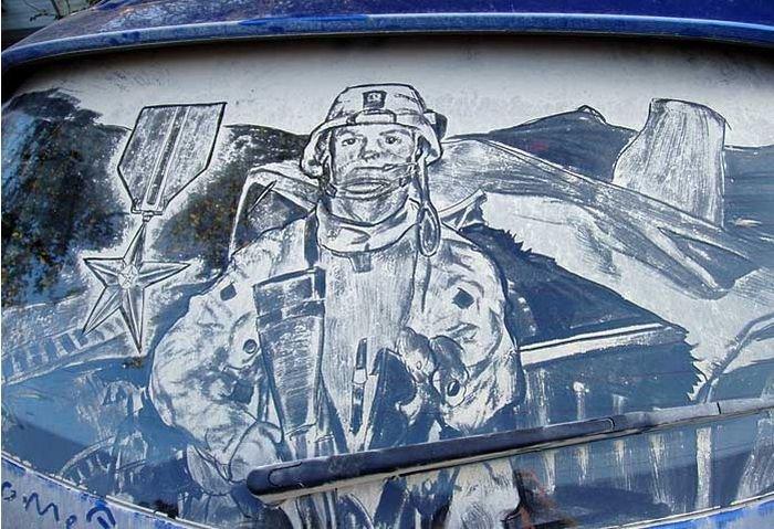 Рисунки на грязных стеклах (115 фото)