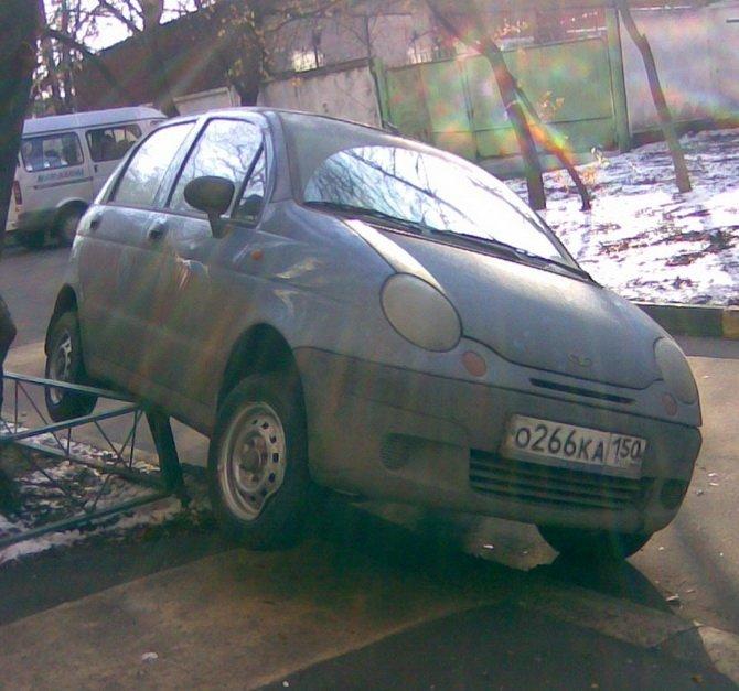 Парковка дня (4 фото)