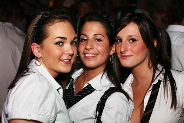 Сексуальные школьницы (100 фото)