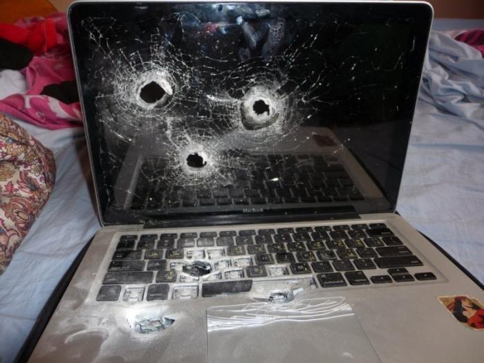 Плохой ноутбук (3 фото)