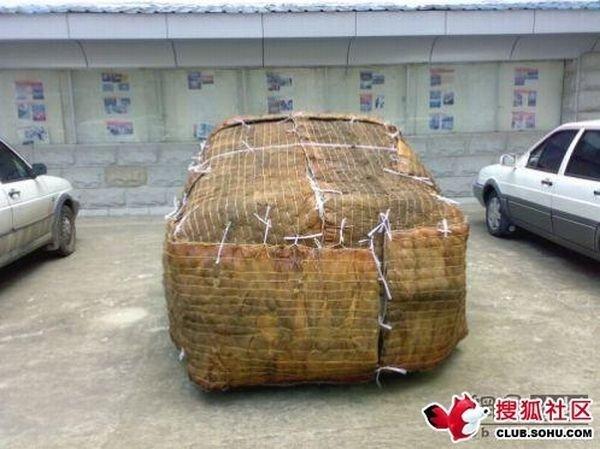 Запаковал автомобиль (7 фото)
