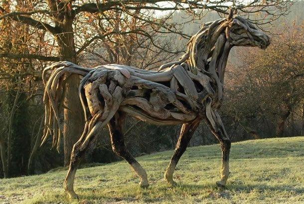 Животные из дерева (41 фото)