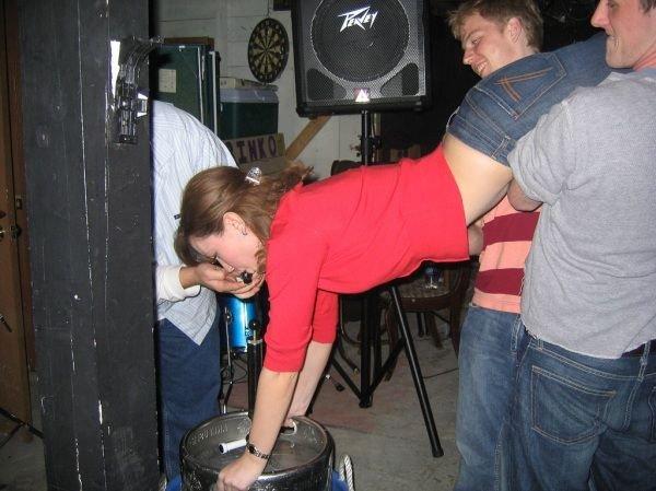 Девушки пьют пиво (100 фото)