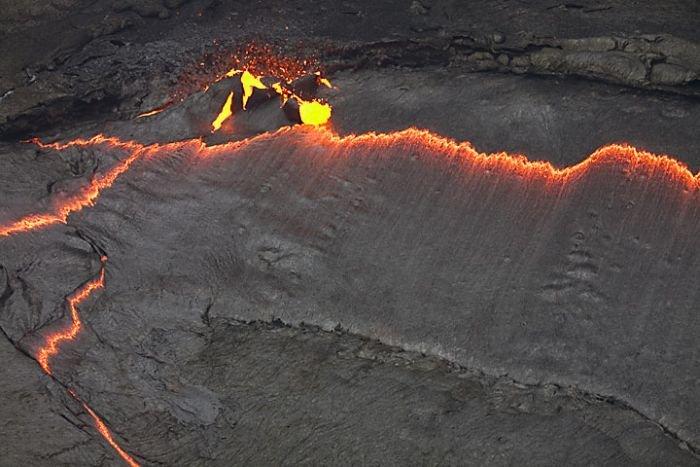 Озеро лавы (28 фото)