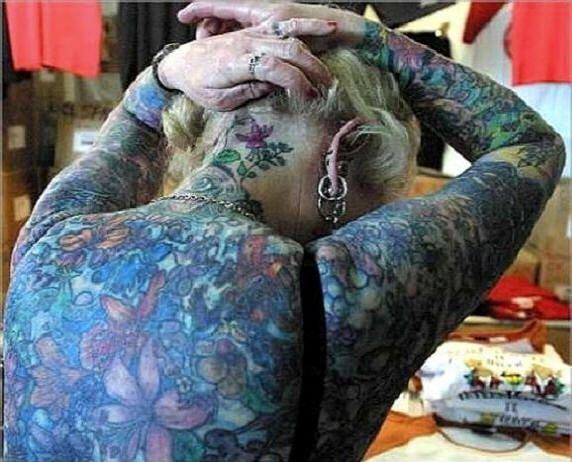 Татуированная бабка (10 фото)