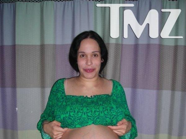 Жесть дня. Беременная восьмерней (5 фото)
