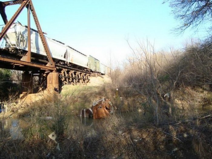 Случай на мосту (7 фото)