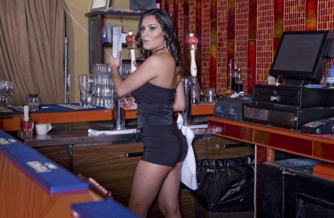 Зачетные барменши (20 фото)