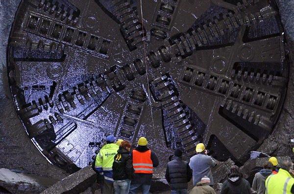 Чем роют тоннели (15 фото)