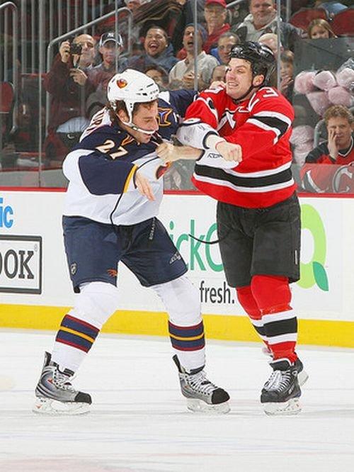Разборки хоккеистов (33 фото)