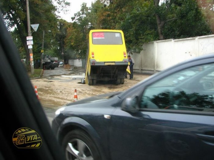 Самые необычные ДТП в Киеве 2008 года (32 фото + текст)