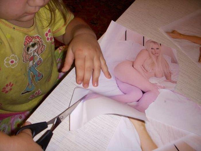 Чем бы дитя не тешилось... (4 фото)