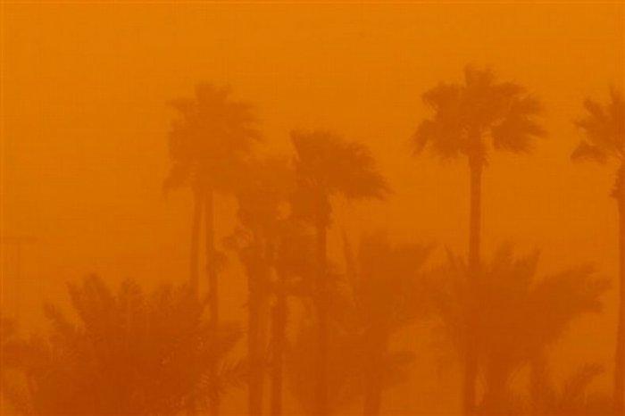 Песчаная буря в Саудовской аравии (11 фото)