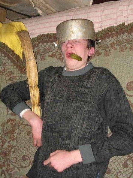Зажабили чела с кастрюлей (28 фото)