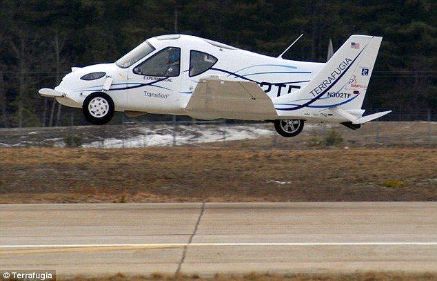 Летающий автомобиль (6 фото)