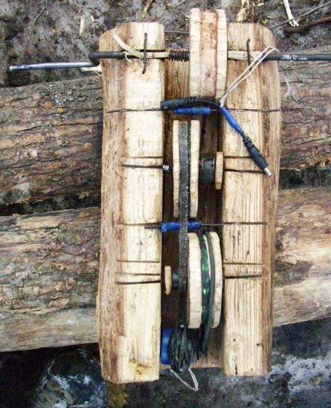 Как зарядить мобильный в лесу (2 фото)
