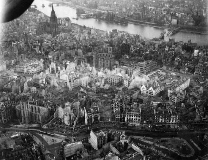 Германия после бомбардировок (19 фото)