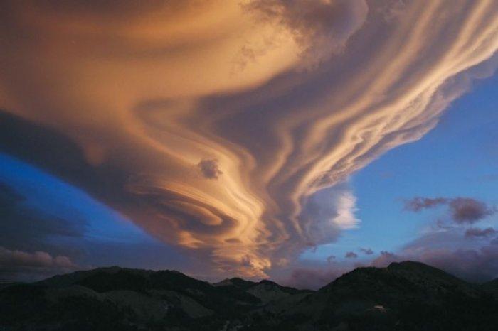 Облака странной формы (17 фото)