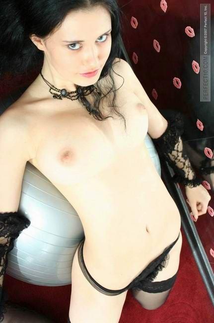 Мисс Россия 2009 снималась обнаженной (7 фото)