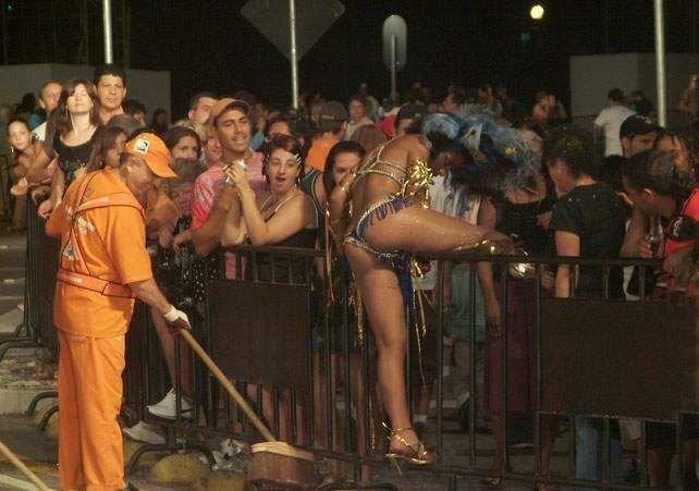 Пьяная танцовщица (6 фото)