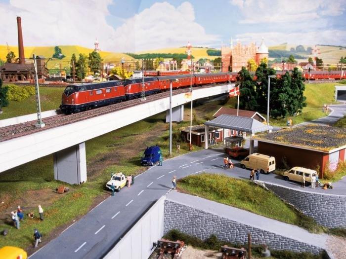 Самая большая модель железной дороги (20 фото)