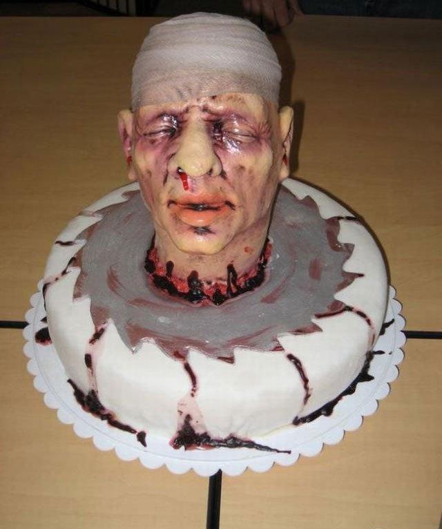 Жуткие тортики (28 фото)