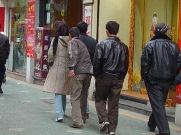 Китайские карманники в действии (19 фото)