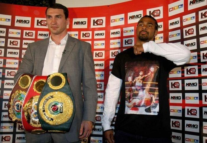 Братьев Кличко окончательно достал бртанский боксер (8 фото)