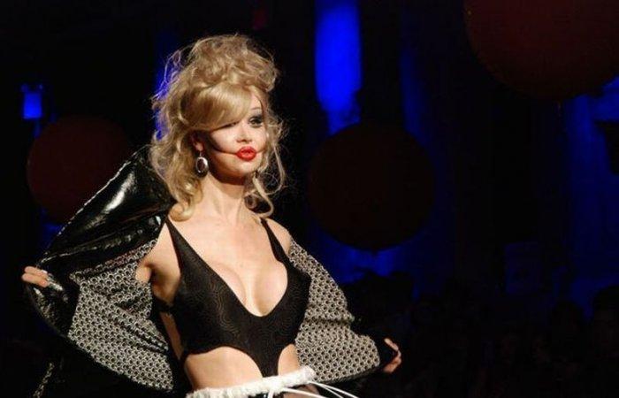 Новинки современной моды (14 фото)