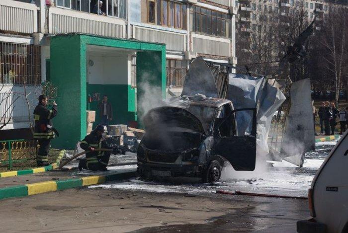 В Газели взорвался газовый баллон (11 фото)
