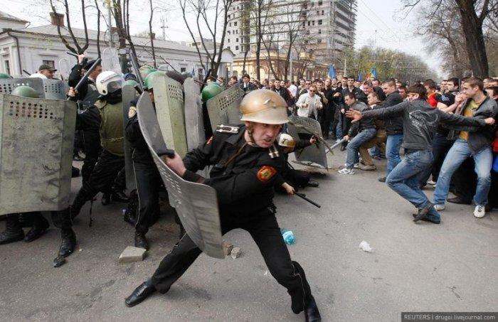 Погромы в Кишиневе (18 фото)