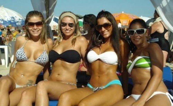 Девушки из бразильских социальных сетей (35 фото)