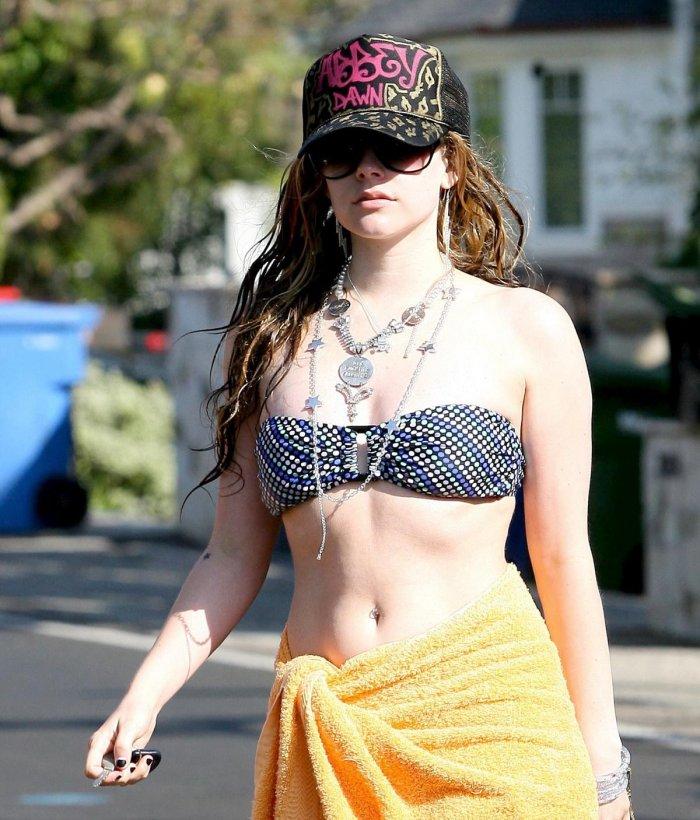 Avril Lavigne (20 фото)