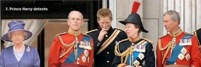Муж королевы испортил воздух (3 фото)