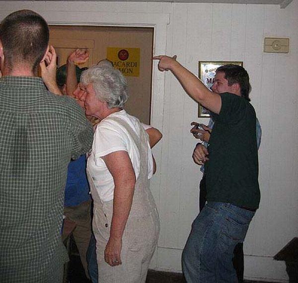 Загонная бабулька (20 фото)