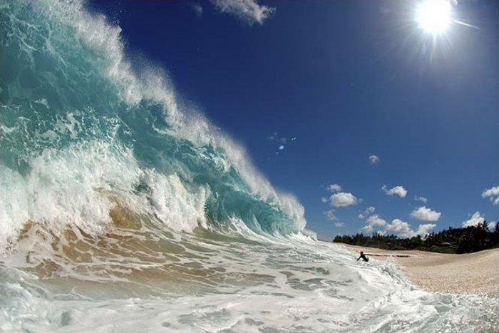 Волны. Вид изнутри (10 фото)
