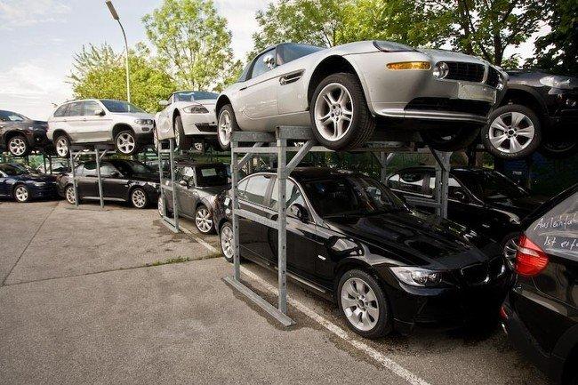 Как уничтожают новые BMW (18 фото)