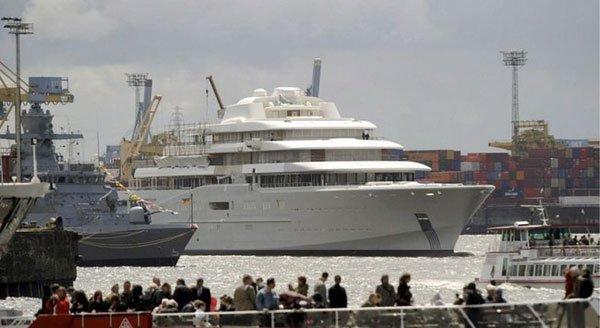 Новая яхта Абрамовича (6 фото)