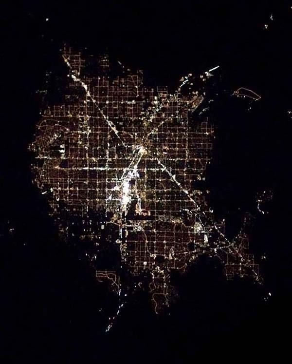 Огни городов из космоса (11 фото)
